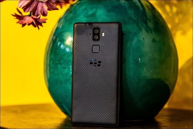 BlackBerry sắp tung Evolve tại Việt Nam, không bàn phím cứng, giá khoảng 8,5 triệu đồng ảnh 2
