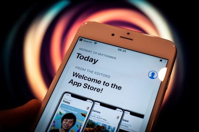 Các trang khiêu dâm, đánh bạc đang lén đưa ứng dụng lên iPhone ảnh 1