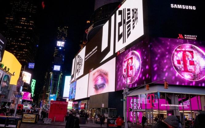 Samsung tung quảng cáo Galaxy S10 tại nhiều con phố lớn ảnh 1