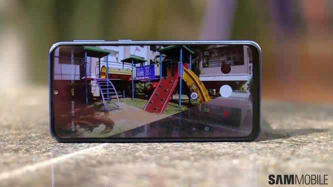 Samsung Galaxy M20 về VN: Pin 5.000 mAh, camera kép, giá 5 triệu ảnh 7