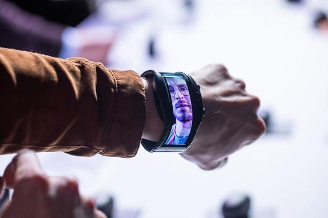Chi tiết Nubia Alpha - smartphone đeo tay đã thành sự thật ảnh 6