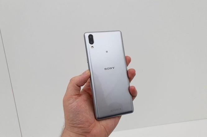 Chi tiết Sony Xperia L3 vừa ra mắt: Giá tầm trung, cấu hình từ 2017 ảnh 1