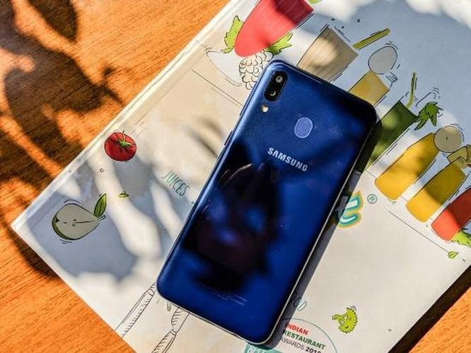 Đánh giá chi tiết Samsung Galaxy M20: được ít nhưng mất nhiều ảnh 15