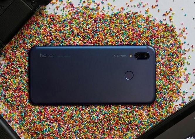 Loạt smartphone tầm trung giảm giá mạnh giữa tháng 3 ảnh 4