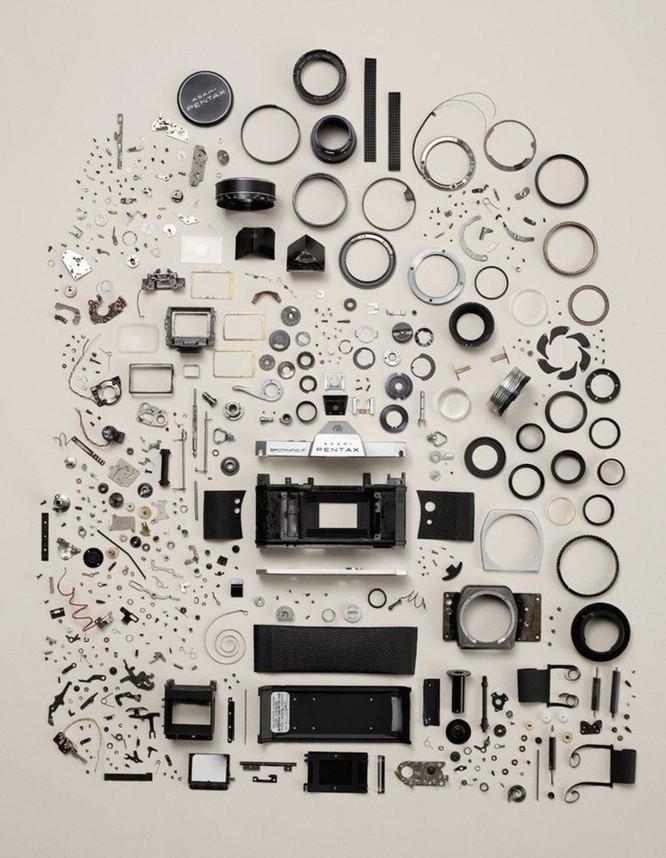 Vẻ đẹp của điện thoại, máy tính khi bị tháo tung thành nhiều mảnh ảnh 3