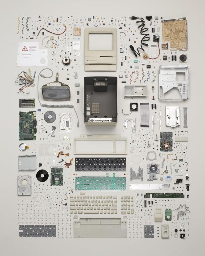 Vẻ đẹp của điện thoại, máy tính khi bị tháo tung thành nhiều mảnh ảnh 5
