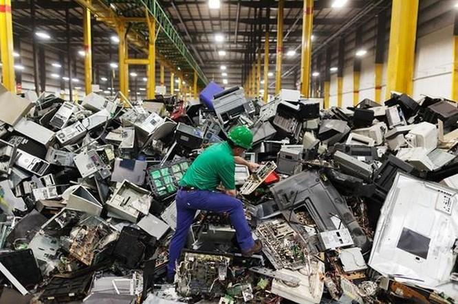 Những điều gây khó cho ngành tái chế rác thải điện tử ảnh 1