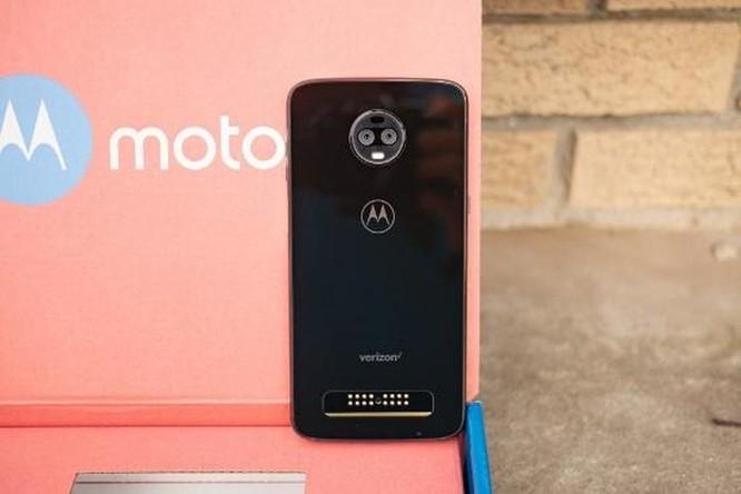 Motorola Moto Z4 lộ diện: Màn hình giọt nước và camera đơn phía sau ảnh 2