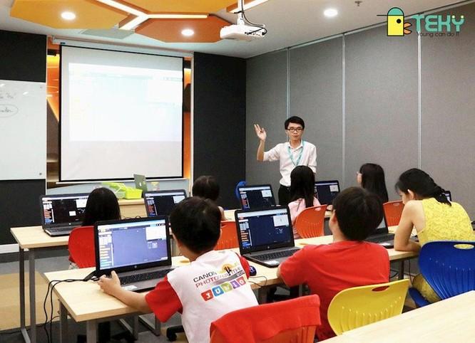 Robot giáo dục sẽ cùng học sinh tham gia Trại hè Công nghệ 2019 ảnh 1