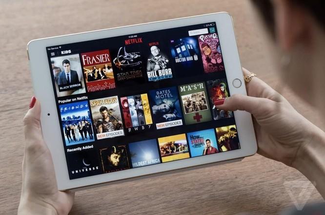 iPhone sắp hết thời, Apple sẽ làm phim, bán báo? ảnh 5