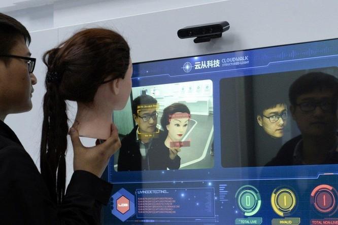 Camera giám sát giúp cảnh sát Trung Quốc bắt hơn 10.000 tội phạm ảnh 1