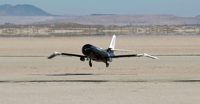 NASA phát triển cánh máy bay có khả năng 'biến hình' trên không ảnh 10