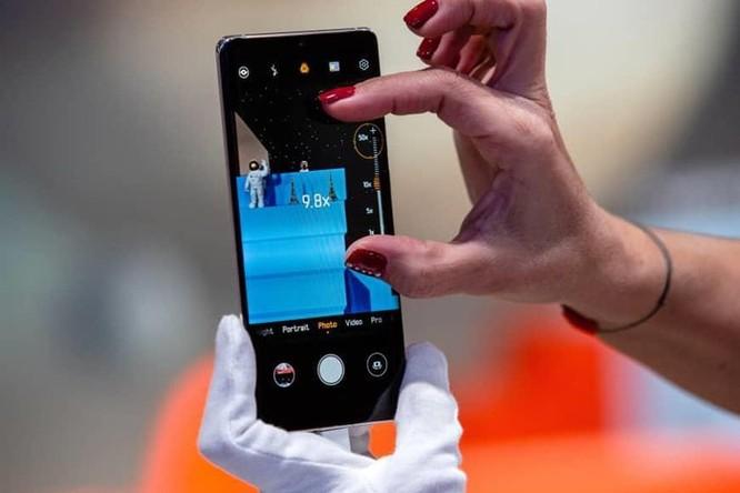 Điện thoại nào có thể mở khóa bằng lòng bàn tay? ảnh 8