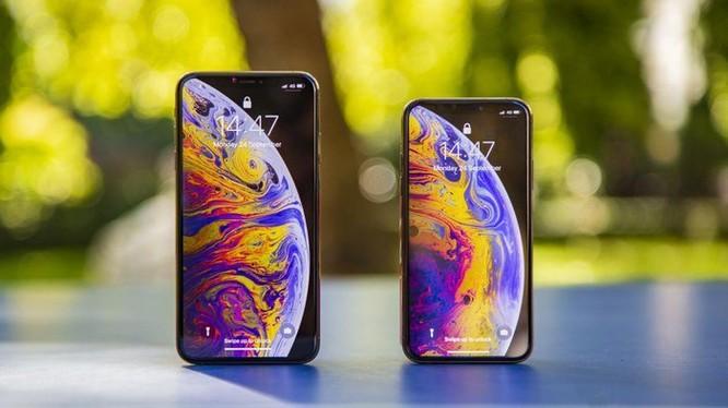 iPhone 11 lớn hơn iPhone XS, 3 camera sau và sạc nhanh ảnh 1