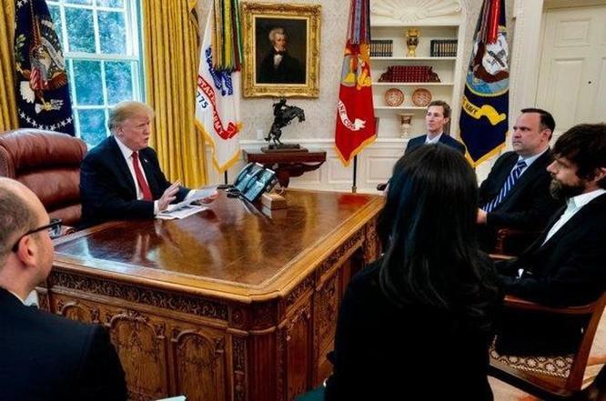 Họp riêng CEO Twitter, ông Trump than phiền vì mất lượt theo dõi ảnh 1