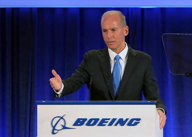 CEO Boeing lý giải việc không ai hay biết về hệ thống của 737 Max ảnh 1