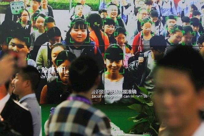 Bắt tội phạm lẩn trốn 20 năm bằng AI tại Trung Quốc ảnh 1