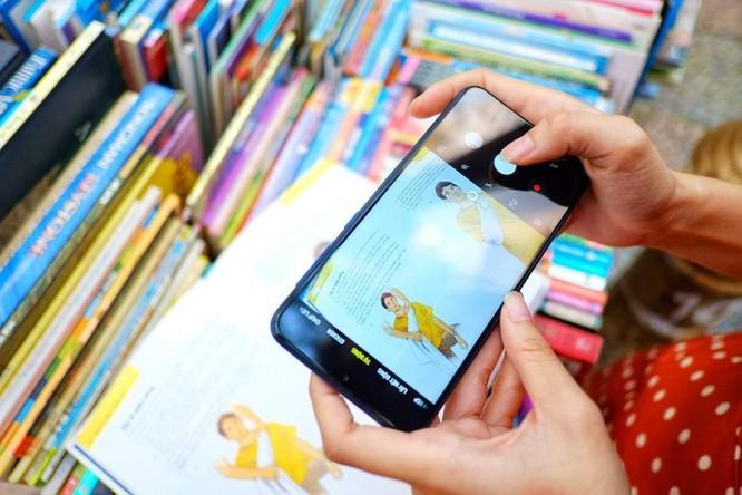 Galaxy M10 - màn hình đẹp, đọc sách, xem phim 'đã' tầm giá 3 triệu ảnh 6
