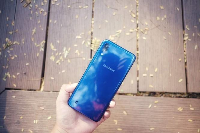 Galaxy M10 - màn hình đẹp, đọc sách, xem phim 'đã' tầm giá 3 triệu ảnh 8