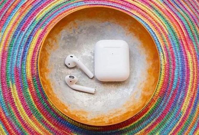 AirPods 2 vs Powerbeats Pro: nên chọn siêu phẩm tai nghe không dây nào? ảnh 1