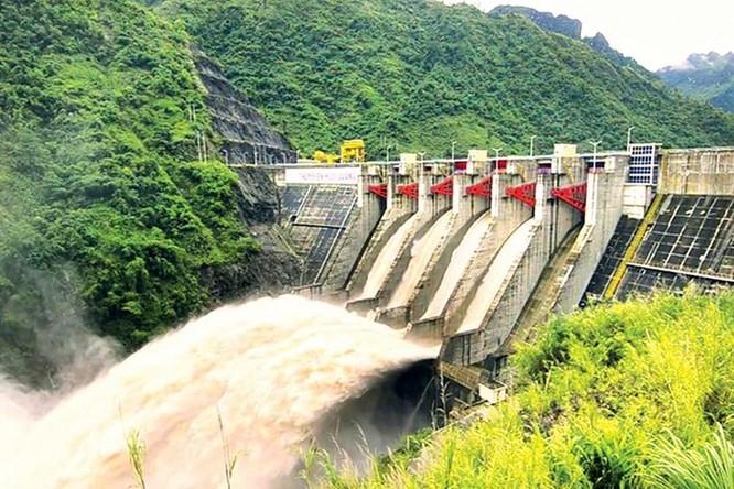 Năng lượng tái tạo cứu các dòng sông khỏi bị 'hủy diệt' bởi thủy điện ảnh 1