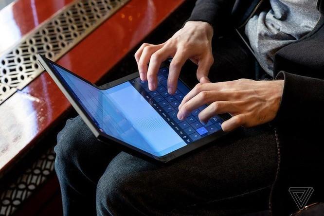 Đây là chiếc laptop màn hình gập đầu tiên trên thế giới ảnh 5