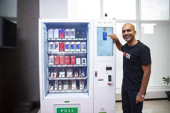 Bán nước ngọt xưa rồi, Xiaomi có máy bán smartphone, phụ kiện tự động ảnh 1