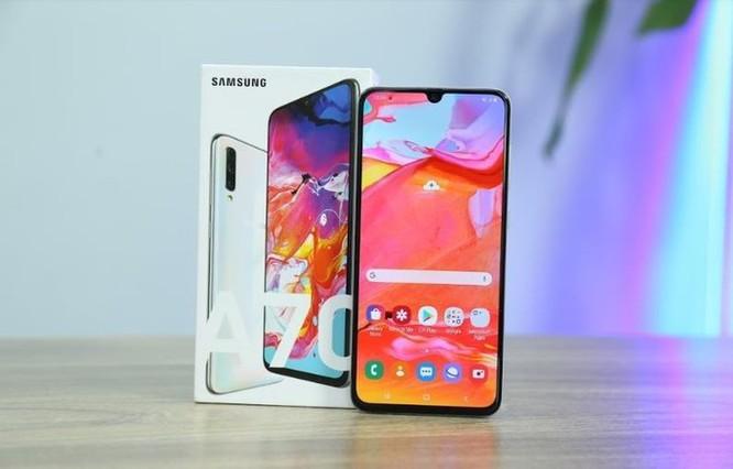 Galaxy A70 - smartphone màn hình lớn, pin khủng và nhiều hơn thế ảnh 1