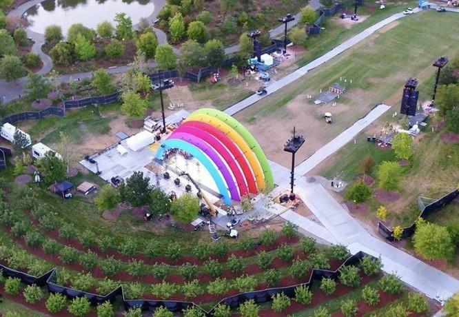 Apple Park 5 tỷ USD khai trương, lấy sắc cầu vồng làm chủ đạo ảnh 1