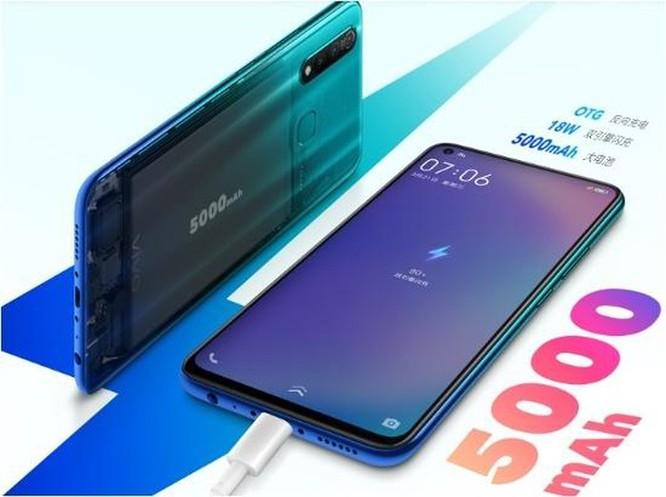 Vivo Z5x: smartphone màn hình đục lỗ đầu tiên của Vivo có gì hay? ảnh 2
