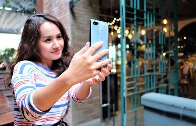 Loạt smartphone giảm giá mạnh cuối tháng 5 ảnh 5