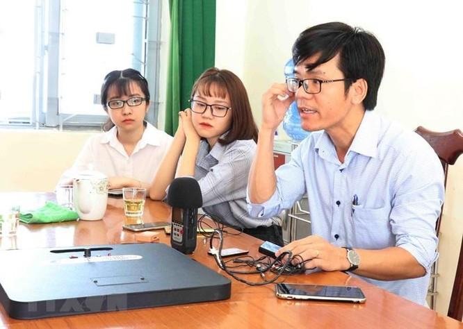Nhóm giảng viên đại học chế tạo máy phát hiện thiết bị gian lận thi cử ảnh 4