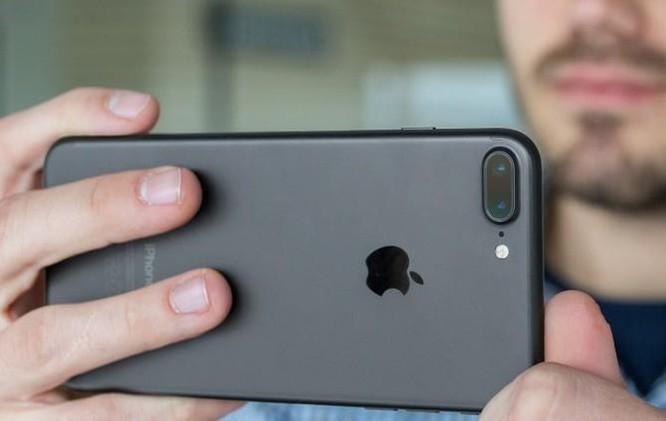 Tại VN, chiếc iPhone 3 năm tuổi này vẫn bán chạy nhất phân khúc ảnh 2