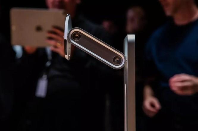 Đế màn hình giá nghìn USD của Apple thành trò cười trên mạng ảnh 1