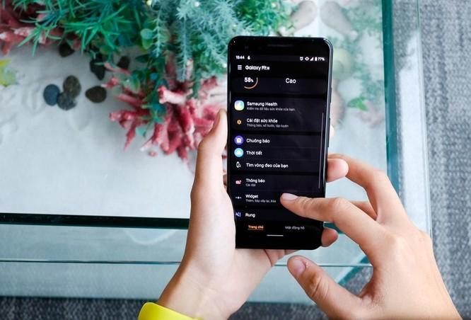 Trên tay Galaxy Fit e - vòng thông minh rẻ nhất của Samsung ảnh 8