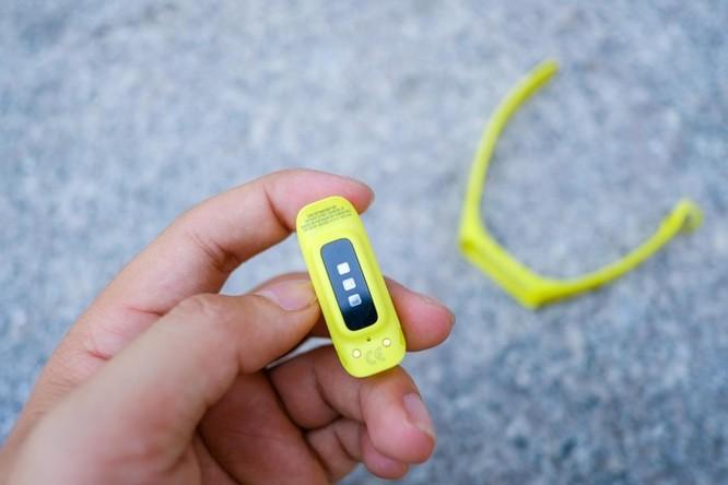 Trên tay Galaxy Fit e - vòng thông minh rẻ nhất của Samsung ảnh 5