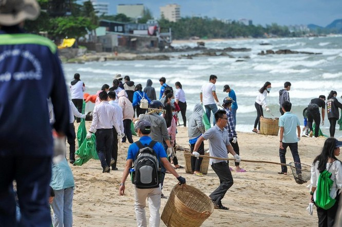 Hàng trăm bạn trẻ dọn rác ở Phú Quốc ảnh 5