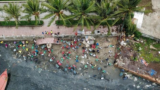 Hàng trăm bạn trẻ dọn rác ở Phú Quốc ảnh 2