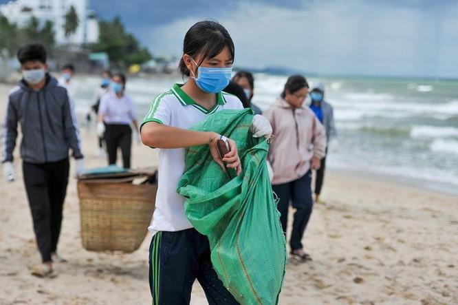 Hàng trăm bạn trẻ dọn rác ở Phú Quốc ảnh 10