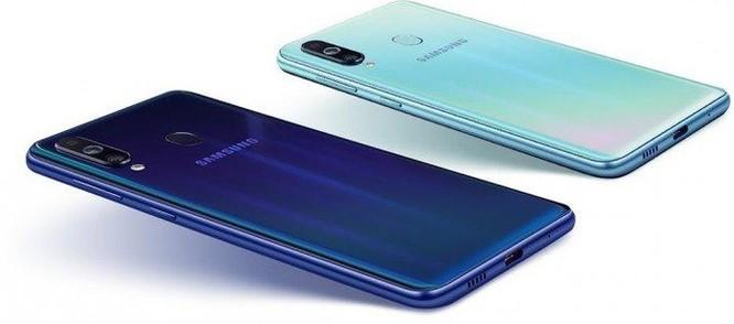 Samsung Galaxy M40 ra mắt: màn hình đục lỗ, 3 camera ảnh 3