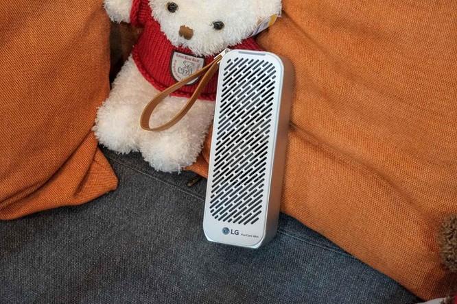 Chi tiết LG PuriCare Mini - máy lọc không khí nhỏ bằng chai nước ảnh 1