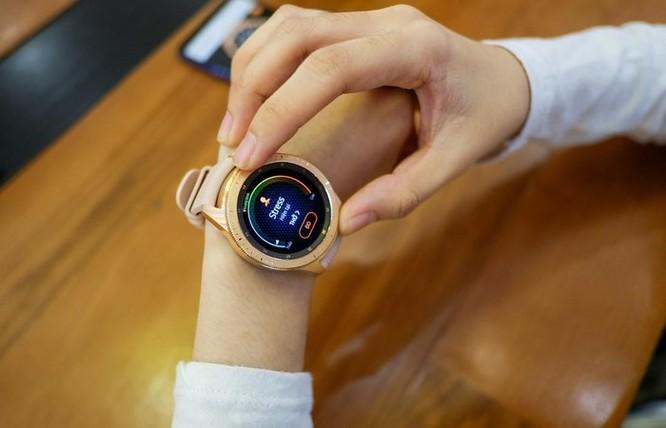 Samsung dọn hàng tồn, Galaxy Watch giảm giá gần 3,5 triệu đồng ảnh 1