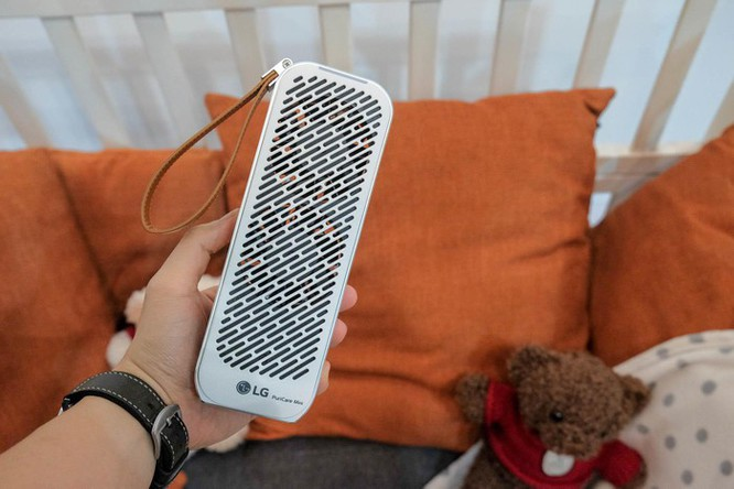 Chi tiết LG PuriCare Mini - máy lọc không khí nhỏ bằng chai nước ảnh 2