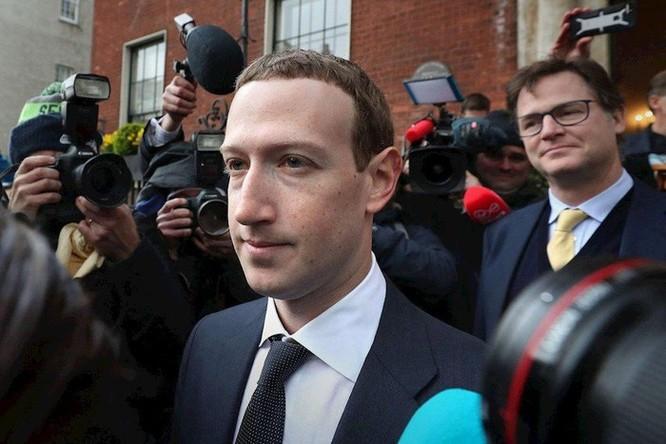 Facebook, Google: Chúng tôi phải lớn để đánh bại Trung Quốc ảnh 1