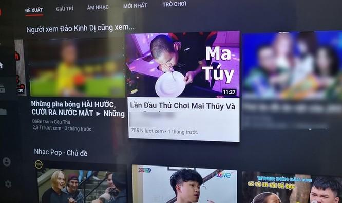 Ăn mì trong bồn cầu, chơi ma túy kiếm tiền phản cảm từ YouTube ở VN ảnh 3