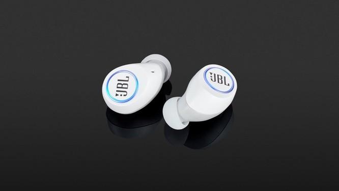 Loạt tai nghe True Wireless đáng chú ý dưới 5 triệu đồng tại VN ảnh 5