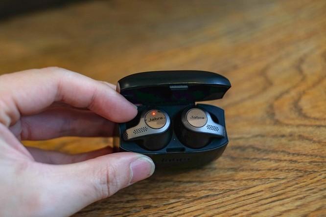 Loạt tai nghe True Wireless đáng chú ý dưới 5 triệu đồng tại VN ảnh 2