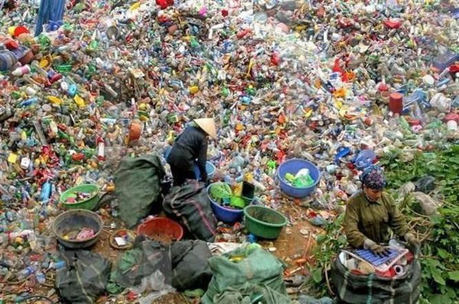 Xử lý rác thải rắn sinh hoạt bằng công nghệ ủ phân hữu cơ vi sinh ảnh 1