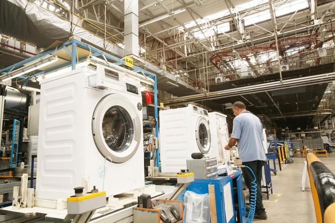 Nơi ra đời của những chiếc máy giặt châu Âu dùng nhựa tái chế ảnh 2