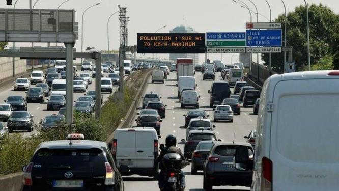 Nắng nóng kỷ lục, Paris cấm 5 triệu ôtô ra đường ảnh 2